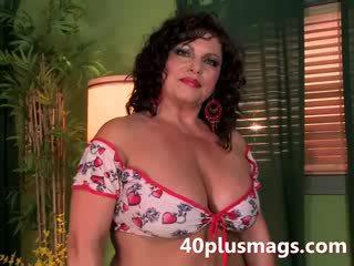 Meet this chubby latina mature