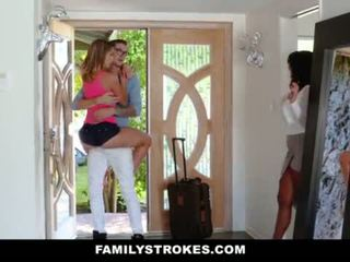 FamilyStrokes - College Bro Cums Home To Horny SIs <span class=duration>- 10 min</span>