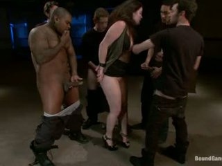 Charlotte vale насолоджуйтесь doing orall служба з circle з пеніс