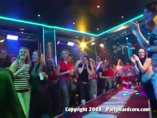 פרועה מסיבה בנות brutally מזוין ב the מועדון
