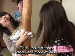 Subtitled japonesa risky sexo com voluptuous mãe em