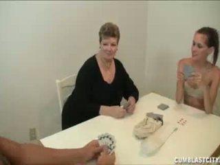 Giovanissima e mamma busting il nut di il vicino/a di casa ragazzo