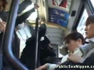 Publicsex 아시아의 fingered 에 그만큼 버스
