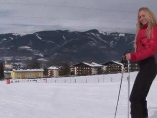 Eroberlin anna safina russe blond ski autriche ouvert public
