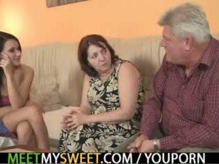 Sex-crazed velho parents caralho sua gaja