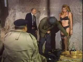 지하 감옥 4 일부