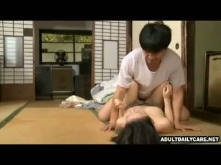 Japán ház takarítónő 001