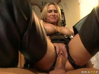 Alanah rae blondin filled med cum på henne ansikte