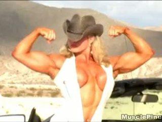 Lisa kříž 06 - female bodybuilder