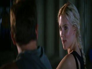 Scarlett johansson hes chỉ không điều đó trong anh