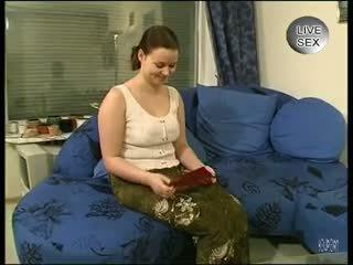 امرأة سمراء, فتاة منفردا, الديك المص
