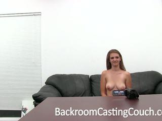 Busty dospívající fucked těžký a swallows připojenými opčními, porno a9