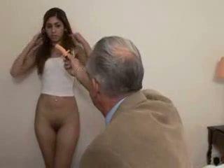 Vectēvs fucks pusaudze meitene