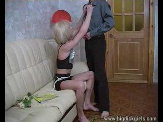 Randy guy drills blondynka crossdresser