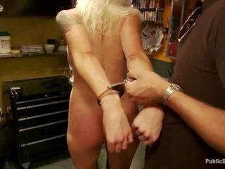 Lorelei acquires humiliated door een groep