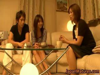 Jepang dewasa wanita memiliki sebuah seks tiga orang part4