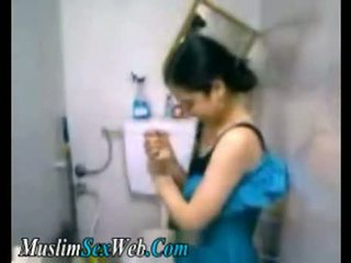 Egyptisch gf fingered in toilet