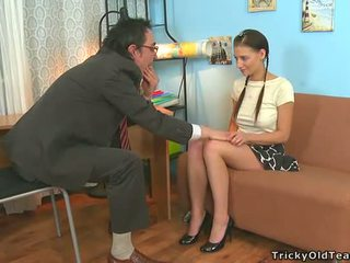 Delighting two potrebni teachers