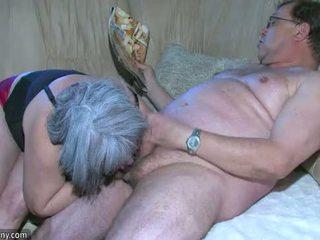 Oldnanny mollig oma is zeer geil groot trio