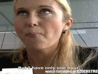 Čeština streets - blondýnka máma jsem rád šoustat picked nahoru na ulice