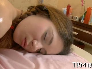Waking opp en soving gigantisk