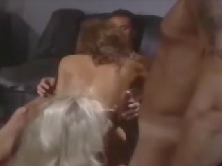Ashlyn gere četratā: amerikāņi porno video aa