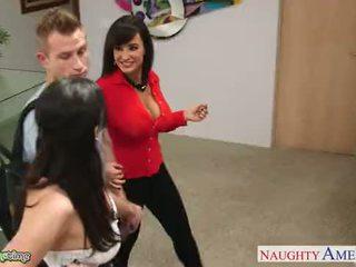 Hot babes kendra lust and lisa ann fuck in bukkake gangbang
