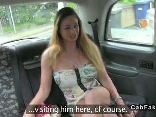 ボインの ハンガリー語 ベイブ ファック で 英国の fake taxi