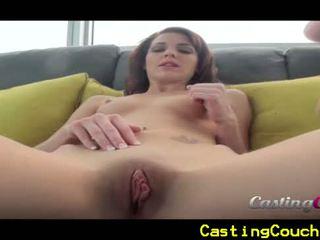 Casting sofa x med liten titted brunette
