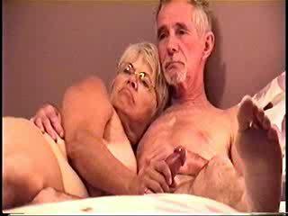 Darla και dave γαμήσι και τσιμπουκώνοντας