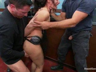 Sheena ryder has throat baisée par banque robbers