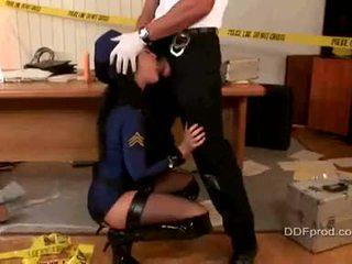 Gemeen cops porno speelfilmen