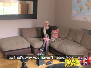 Fakeagentuk adembenemend amateur blondine loses anaal cherry