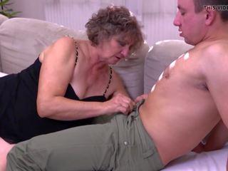 Avó gets jovem caralho para peluda velho conas: grátis hd porno 92