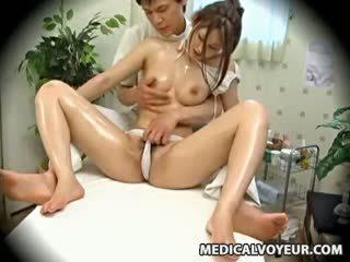 Spycam moda modelka seduced przez masseur 1