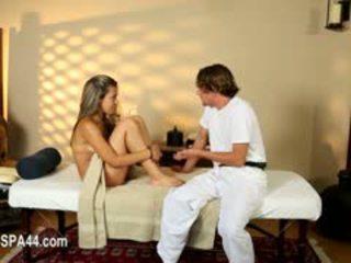 Schlecht babes copulated schwer im besondere masseur
