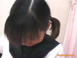 Азіатська студентка мастурбує волохата мед pot
