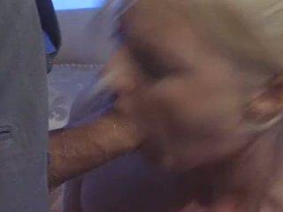 Sexy blond britisch ehefrau hannah harper fucks für geld