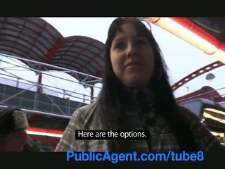 Publicagent חובבן cameraman fills שלה הדוקה כוס עם זרע