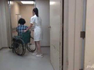 De are i den hospital och detta baben part1