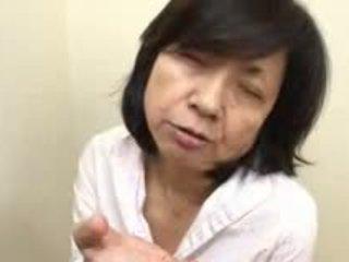 Японки мама sucks swallows & squirts