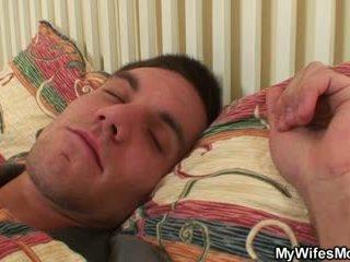 Oud bag uses slapen zoon in wet