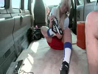 ワイルド bang バス ストーリー とともに リアル 女の子