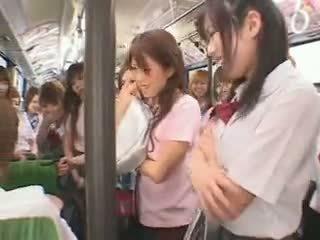 Nxënëse autobuz fuckfest i censuruar