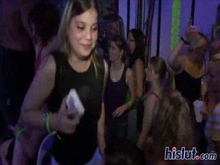 Mädchen die wie bis dance auch wie bis saugen