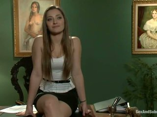 Superb dani daniels has constrained επάνω και banged onto ένα τραπέζι