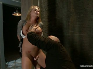 Joven rubia aiden aspen gets humiliated