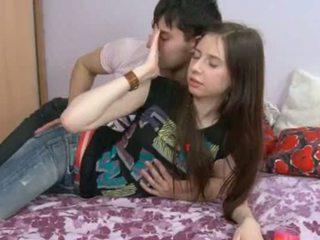 See 18yo tüdruk having sperma sisse tema hole