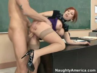 Brittany oconnell getting pounded på henne bakom doggyway