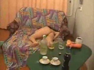 Guys gaan ook ver met dronken hogeschool meisje video-